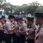 Iqbal suheab di upacara penurunan bendera merah putih (Foto:Hum/zonatimes.com)