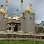 Masjid megah di hutan Gowa viral ( Foto: Luchyana Make Up/zonatimes.com)