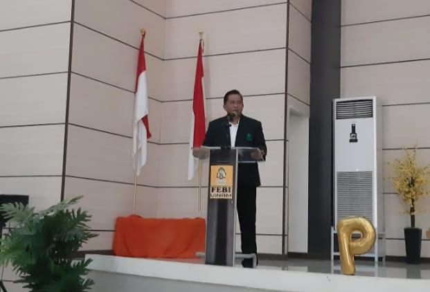 Dekan FTK UINAM, Dr Marjuni saat sambutan dan membuka acara Pintar HMJ PGM UINAM (Foto:Ist/zonatimes.com)