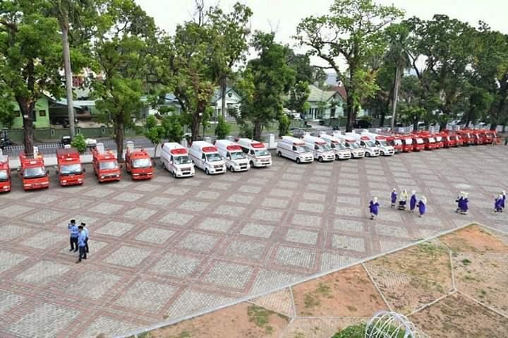 Deretan kendaraan Ambulance-Damkar hibah dari Jepang untuk Sulsel (Foto: Facebook Nurdin Abdullah/zonatimes.com)