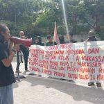 Massa aksi Gerak Misi demo di depan Kelas 1 A Makassar Jalan Sultan Alauddin (Foto: Ist)