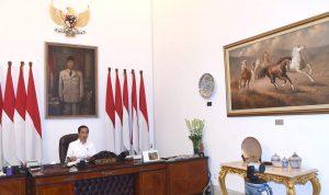 Presiden Jokowi pada saat video Conference