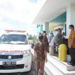 Pemulangan 5 orang anggota keluarga pasien positif Covid-19 di Kecamatan Tellu Siattinge Bone yang dinyatakan negatif Jumat (8/5/2020)