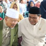 Ketua Majelis Ulama Indonesia (MUI) Kabupaten Barru, Anregurutta Prof Dr Faried Wadjedy dan Bupati Barru Suardi Saleh (Foto: terkini.id)