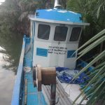 Kapal bantuan nelayan bersandar di tepi sungai Tangka, Kelurahan Balangnipa, Kecamatan Sinjai Utara (Foto: Hasyim/zonatimes.com)
