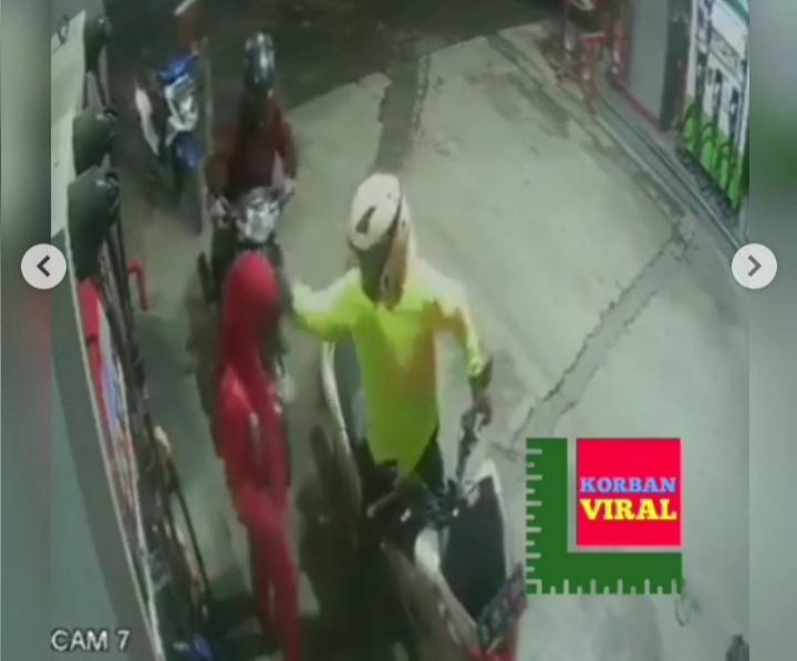 Video rekaman CCTV petugas SPBU ditampar konsumen pria saat isi bensin (Foto: tangkapan layar @korbanviral)