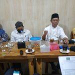 Ketua Tanfidziyah PCNU Kota Makassar KH. Kaswad Sartono kumpulkan dan memberikan arahan para jajaran wakil ketua bidang pembinaan MWC NU yang berlangsung di Warkop Alif Jalan Tinumbu, Rabu (22/7/ 2020) sore tadi.