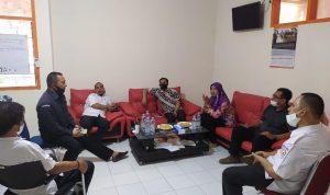 Anggota Badan Pengawas Pemilihan Umum (Bawaslu) Kota Makassar melakukan Koordinasi mengenai batas wilayah di Kantor Bawaslu Kabupaten Maros