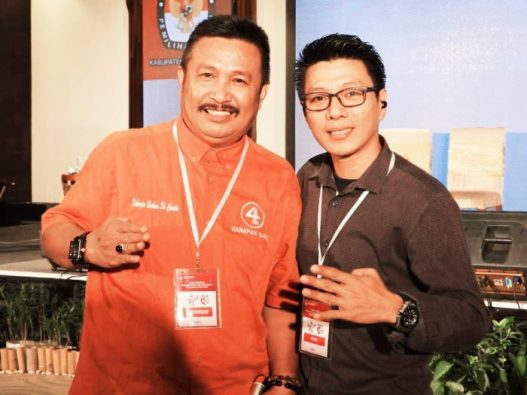 Ishak Ali Yusuf, tim pemenangan Andi Muchtar Ali Yusuf-Andi Edy Manaf (kanan)