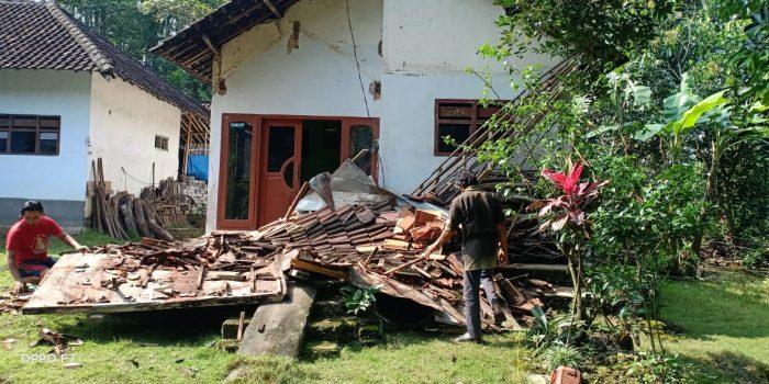 Gempa bumi M 6,7 di Malang